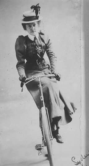 Respectable clothing for cycling women in the 1890s - women actually managed to ride sidesaddle
