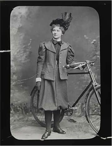 cycling comfort tips for women - rational dress, bloomers