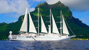 Tahiti tandem tour - Our beautiful sailboat home from home: the Wind Spirit
